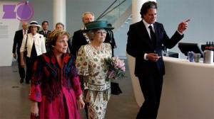 Prinses Beatrix opent Fundatie