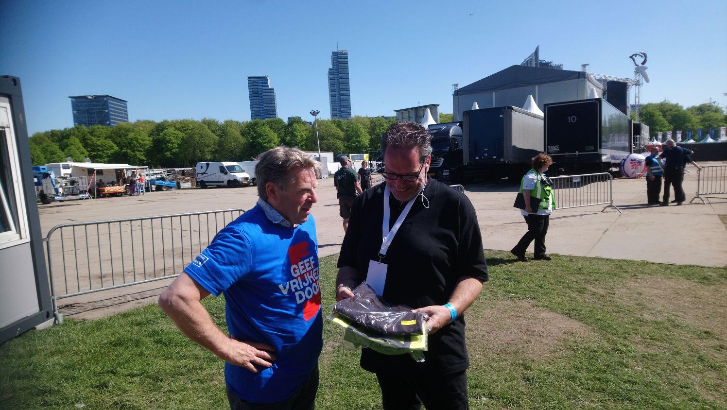 Niek met coördinator Den Haag